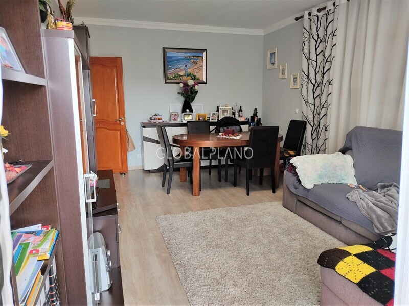 Apartment T2 in good condition Alto do Quintão Portimão - great location, kitchen, balcony
