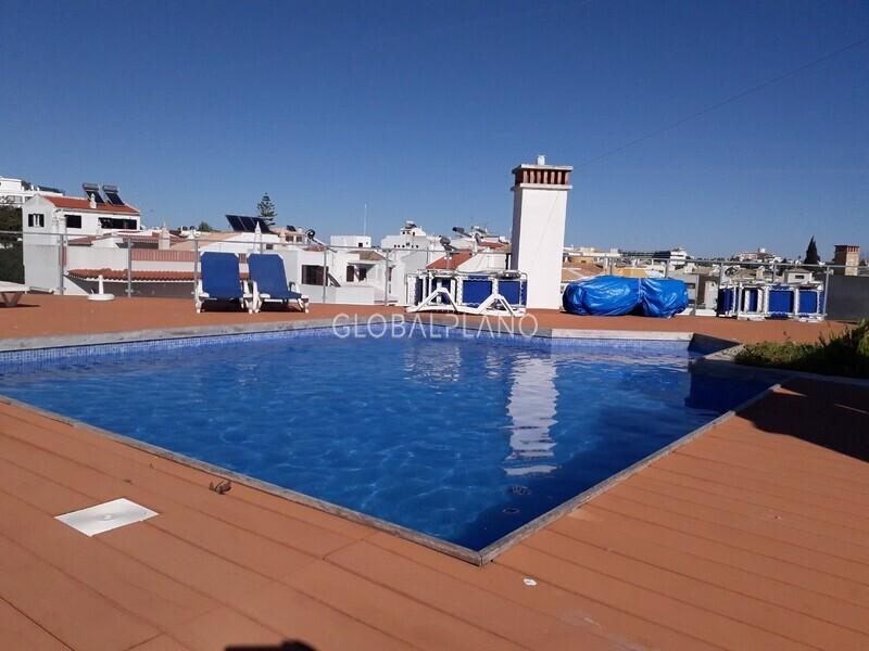 Apartamento T0+1 Moderno Alvor Centro Portimão - lugar de garagem, equipado, ar condicionado, terraço, piscina