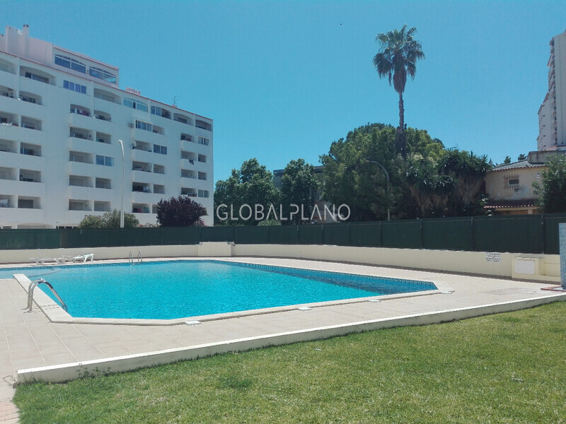 Apartment T1 in good condition Montechoro Albufeira - sea view, balcony, garden, swimming pool
