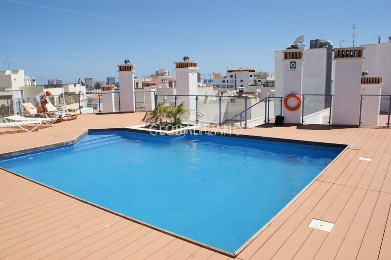 Apartamento T2 no centro Alvor Centro Portimão - cozinha equipada, ar condicionado, varandas, garagem, piscina