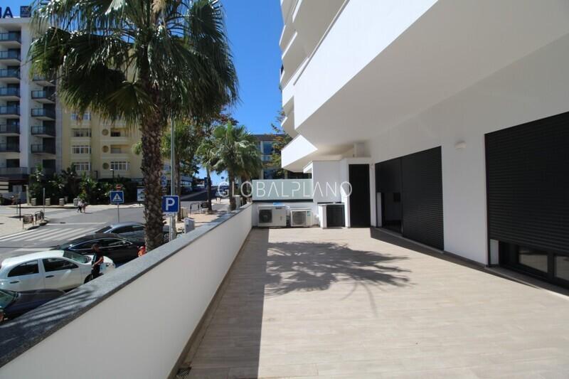 Apartamento T2 1ª Linha Praia da Rocha Portimão - garagem, ar condicionado, equipado, varandas