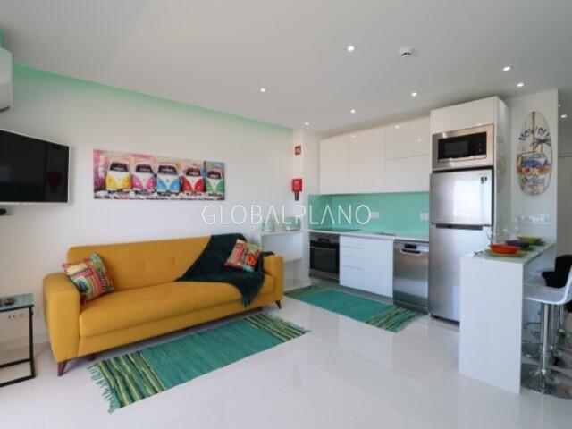 Apartamento Renovado T0 Correeira Albufeira - ar condicionado, vidros duplos, piscina, condomínio privado, sauna