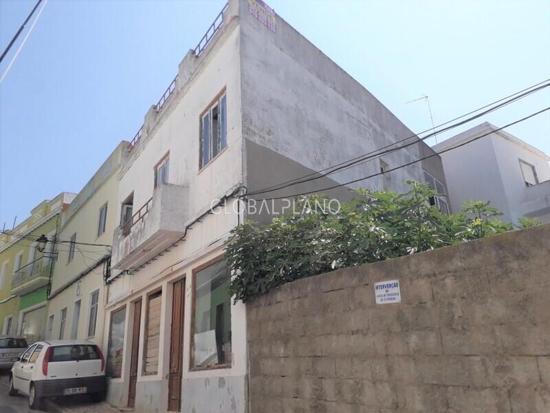 Moradia V3 para recuperar Estômbar  Lagoa (Algarve) - lareira, terraço