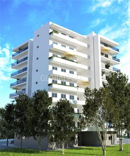 Apartamento T3 em construção Portimão - painel solar, piso radiante, bbq, painéis solares, varandas, caldeira, isolamento térmico, equipado, lareira