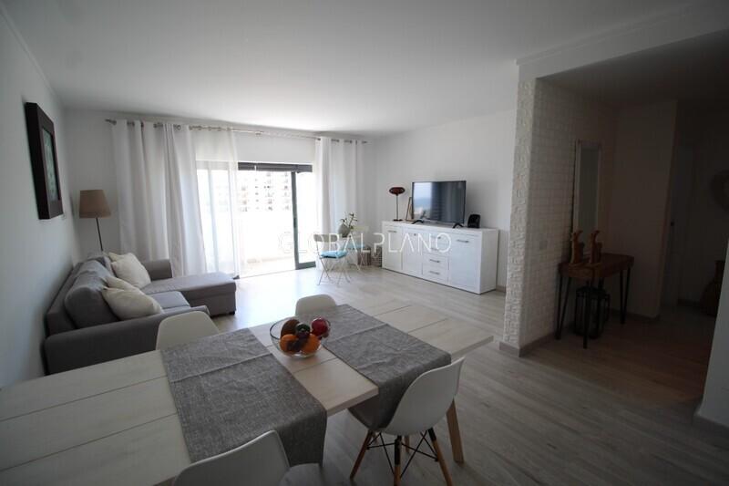 Apartamento T1 Moderno Praia da Rocha Portimão - piscina, varanda, lugar de garagem