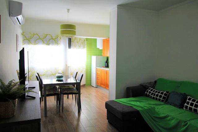 Apartamento T1 Praia da Rocha Portimão - garagem, ar condicionado, caldeira, varanda