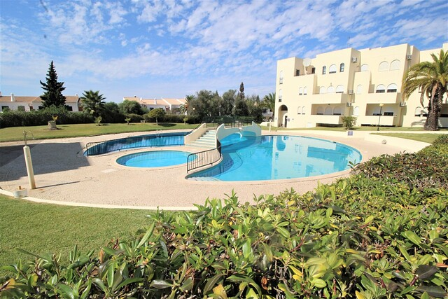 Apartment near the center T2 Alvor Portimão - balcony, furnished, swimming pool, air conditioning, equipped
