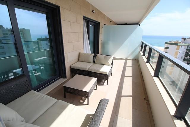 Apartamento T2 Moderno Praia da Rocha Portimão - ar condicionado, varandas, garagem