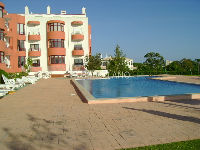 Apartment T3 Dourada/Alvor Portimão - garage, swimming pool, gardens, condominium