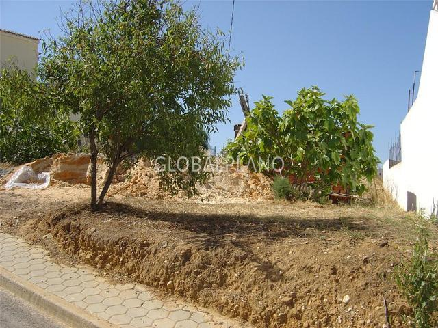 Land with 370sqm Bela Vista Lagoa Lagoa (Algarve) - nice location, construction viability