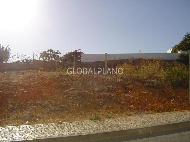 Lote de terreno com 440m2 Arredores Portimão