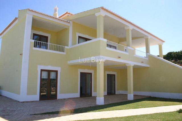Casa V3 nova Praia da Luz Lagos - vista mar, jardim, piscina, varanda