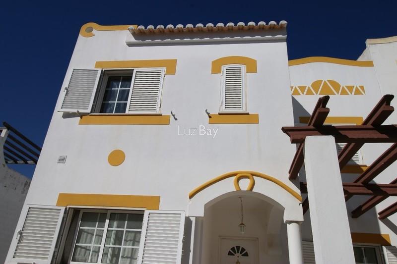 Moradia V3 em banda Lagos Santa Maria - bbq, arrecadação, terraço