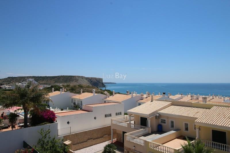 Moradia V4 no centro Praia da Luz Lagos - jardim, varandas, bbq, vista mar, terraço
