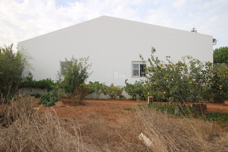 Warehouse Industrial with 130sqm Vila do Bispo
