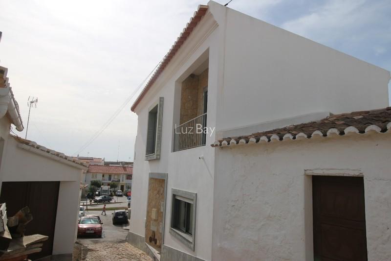 Moradia V1 Vila do Bispo - lareira, painéis solares, terraço