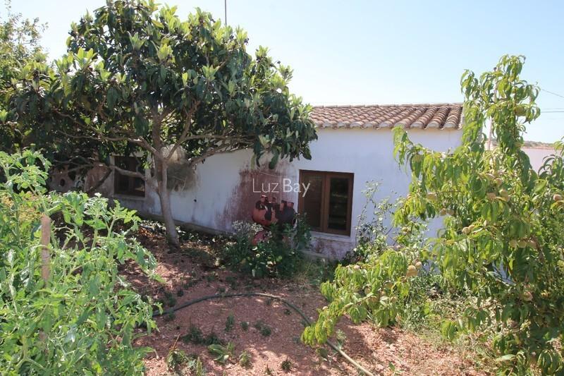 Casa V2 Figueira Budens Vila do Bispo - garagem, arrecadação