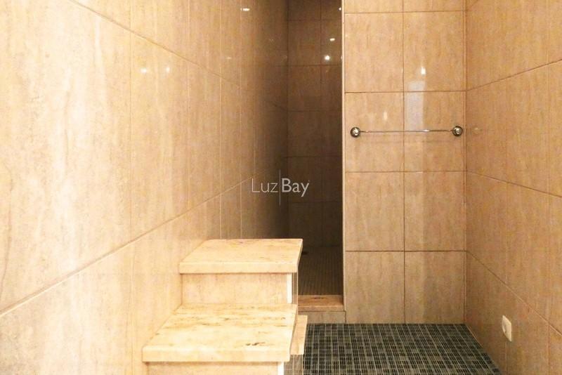 1000013996_bathroom_shower__medium_.jpg