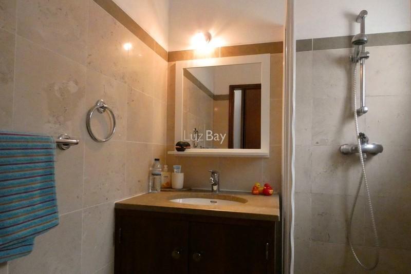 1000013996_guestroom_bathroom__medium_.jpg
