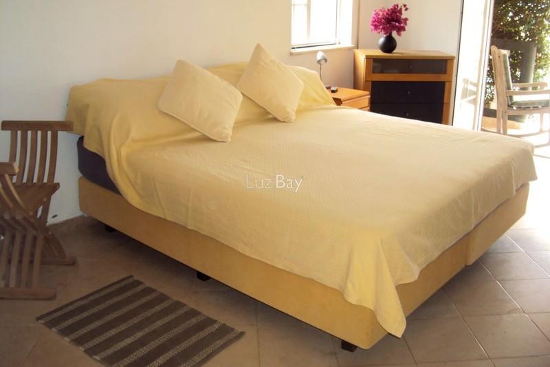 1000013996_master_bedroom__medium_.jpg