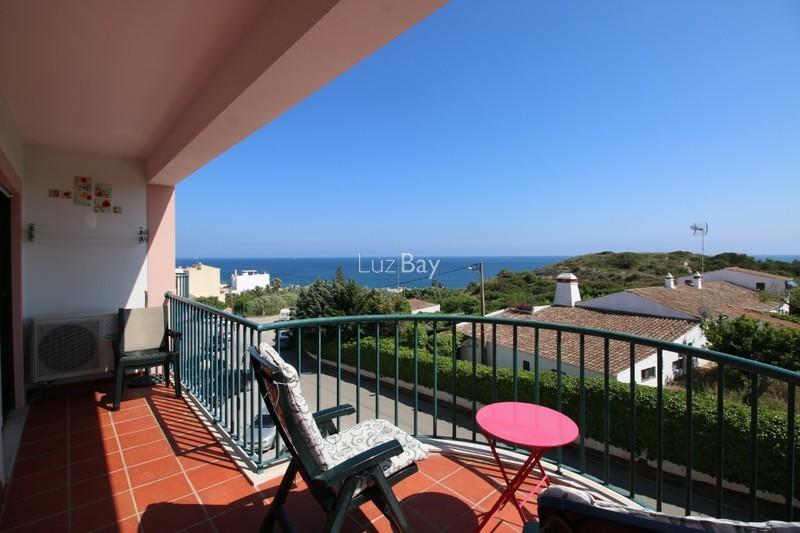 Apartamento T1 Praia da Luz Lagos - mobilado, cozinha equipada, piscina, vista magnífica, varanda