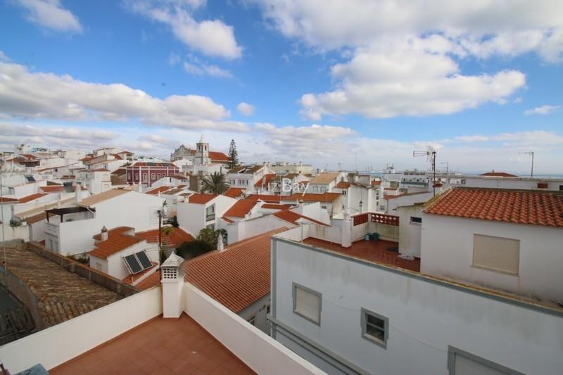 Apartamento T3 Lagos São Sebastião - vidros duplos, arrecadação, lareira, terraço
