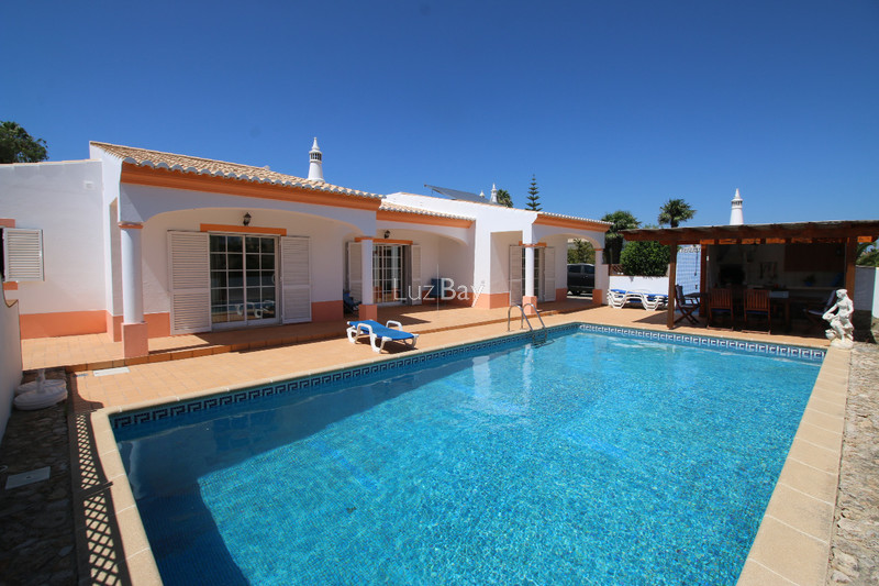 House V3 Lagos Santa Maria - swimming pool, garage, fireplace, barbecue, equipped kitchen