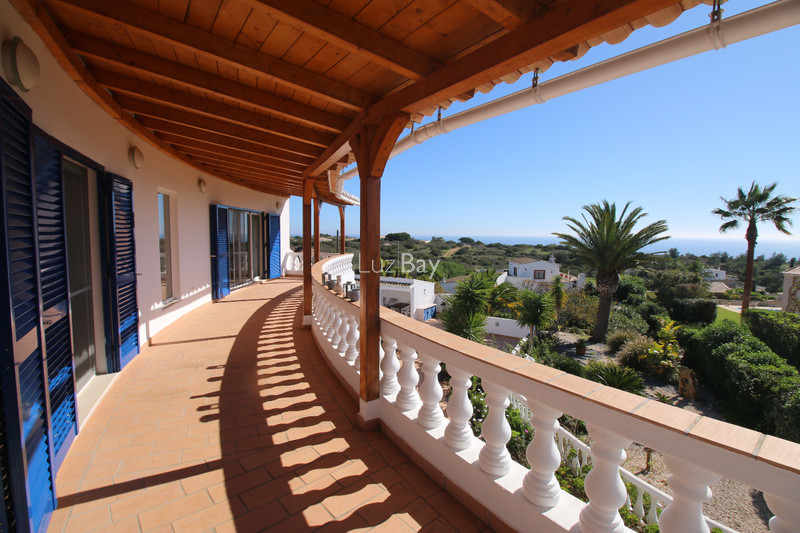 House 4 bedrooms Luxury excellent condition Praia da Luz Lagos - equipped kitchen, garage, swimming pool