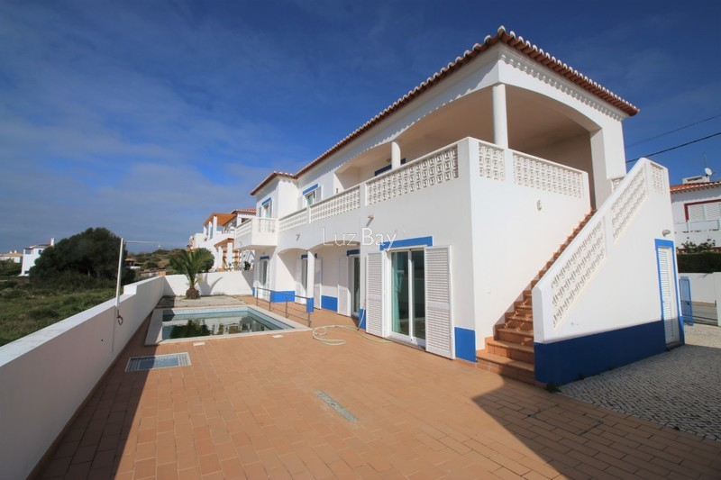 House 4 bedrooms spacious Carrapateira Bordeira Aljezur - terrace, store room, garden, balcony, barbecue, fireplace, swimming pool