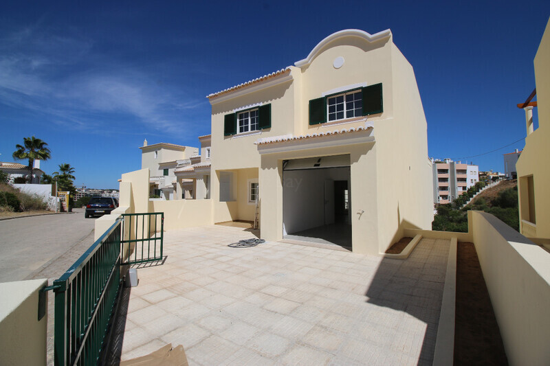 Villa new 3+1 bedrooms Lagos Santa Maria - swimming pool, garage, garden