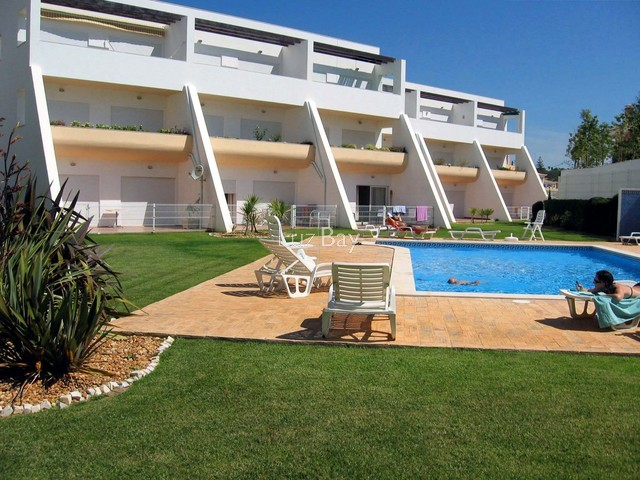 Apartamento em excelente estado T1 Lagos São Sebastião - jardim, cozinha equipada, terraço, mobilado, varanda, piscina, equipado