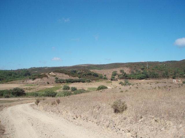 Terreno Urbano com 200m2 Pedralva Budens Vila do Bispo - bons acessos
