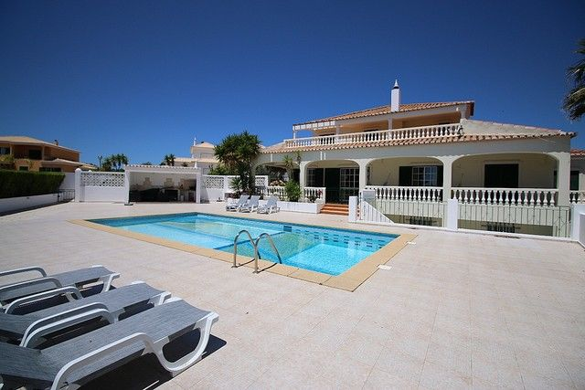 House Typical V3 Atalaia Santa Maria Lagos - swimming pool, balcony, fireplace