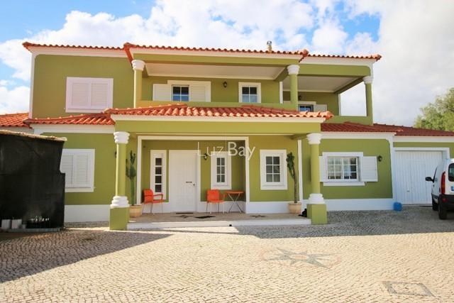 Moradia V5 Lagos São Sebastião - terraços, jardim, garagem