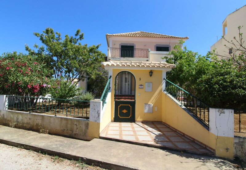 House V3 Tavira - barbecue, tiled stove, terrace, garden, garage, swimming pool