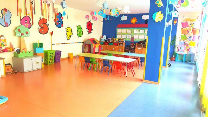 Escritório Centro de Saúde São Pedro Faro - terraço, sala de espera, recepção, excelente localização