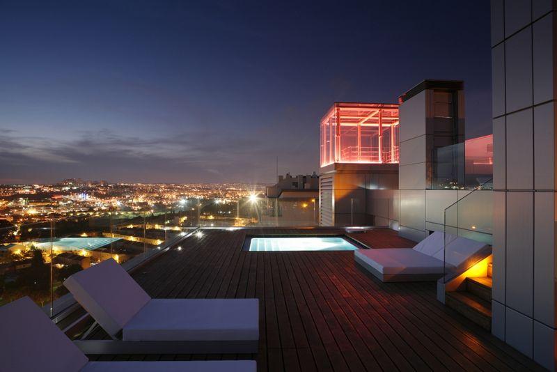 Apartment T4 nieuw Restelo São Francisco Xavier Lisboa - sauna, terrace, equipped, green areas, swimming pool