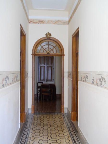 Casa V4 Térrea no centro Vila real de Santo António - quintal, terraço