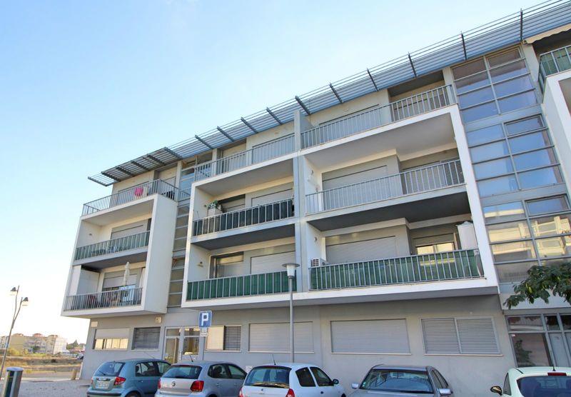 Apartamento Moderno T2 Rias Parque Vila Real de Santo António - varanda, cozinha equipada, zona calma