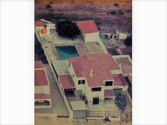 Moradia Remodelada V4 Quelfes Olhão - zona calma, garagem, piscina, marquise