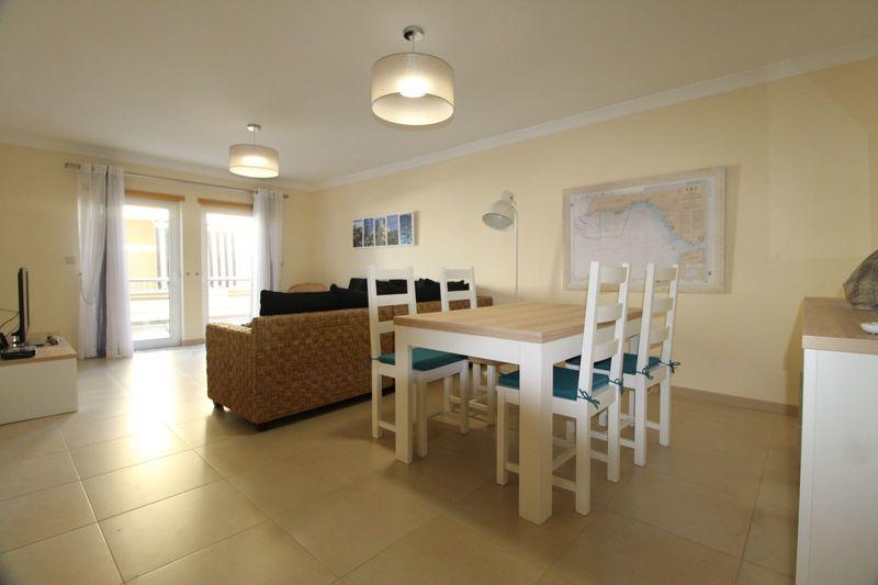 Apartamento T3 no centro Vila real de Santo António - ar condicionado, arrecadação, varanda