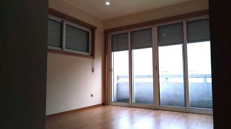 Apartamento Renovado T2 Porto - cozinha equipada, varanda, vidros duplos, excelente localização