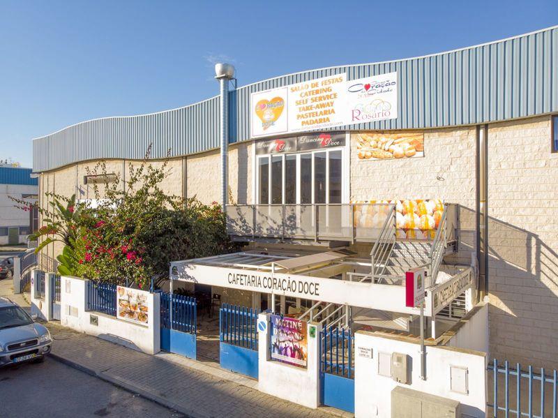 Armazém Industrial com 800m2 Vila real de Santo António