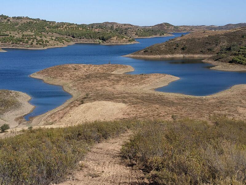 Terreno novo com 7880m2 Corte do Gago Azinhal Castro Marim - água