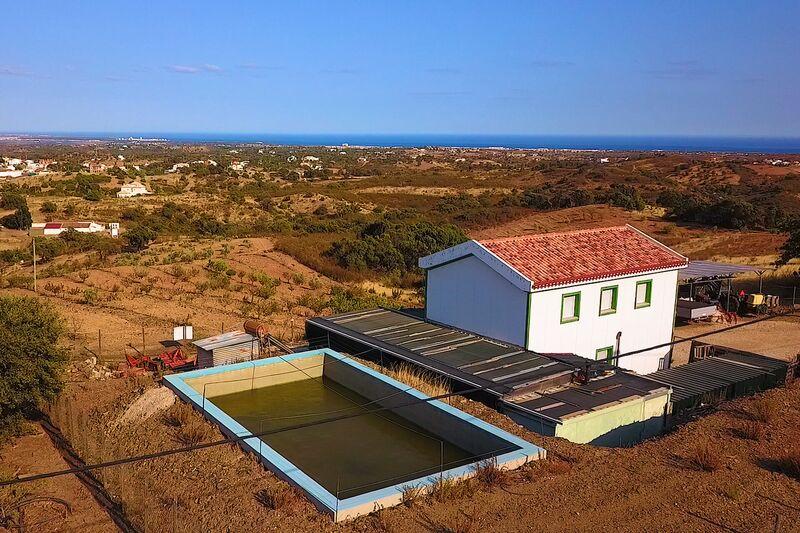 Quinta/Herdade Tavira - oliveiras, tanque, piscina, alarme, pessegueiros, excelente vista, árvores de fruto, água, furo, laranjeiras, garagem, jardim