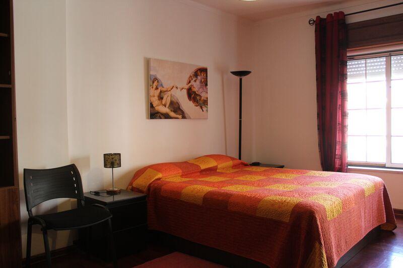 Apartamento T2 junto ao centro Vila Real de Santo António - arrecadação, sótão, lareira