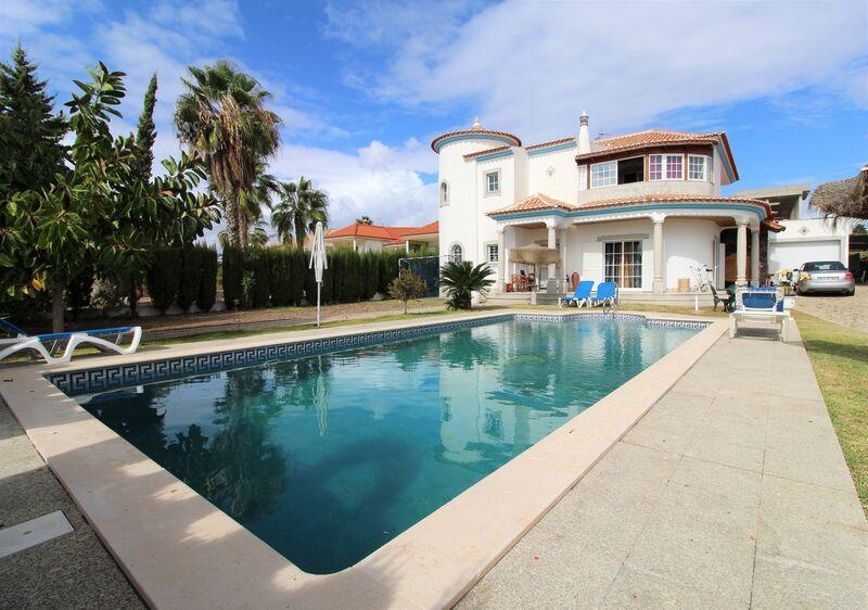 жилой дом V4 отдельная Quinta do Sobral Castro Marim - гараж, солнечные панели, сад, бассейн, великолепное месторасположение, терраса