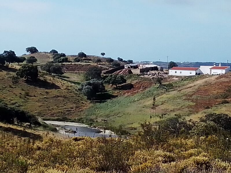Terreno com 28600m2 Campeiros Castro Marim