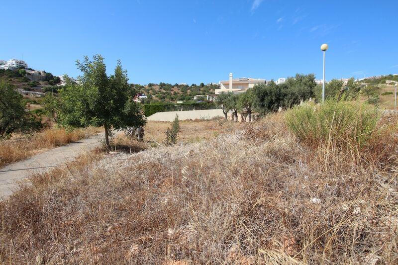 Lote de Terreno com 1025 m²  em Albufeira