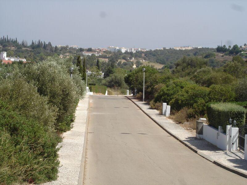 1032m2-98m2-Land-plot-for-sale-in-Albufeira-Algarve